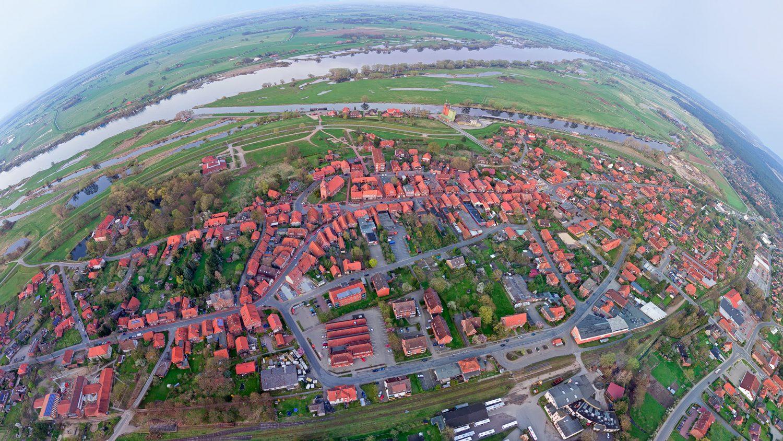 Elbstadt-L-1500x844.jpg